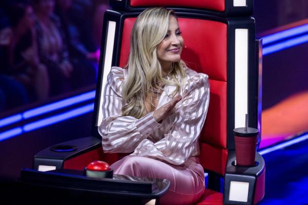 Claudia Leitte comemorou as novas vozes do seu time (Foto: Raphael Dias/Gshow)