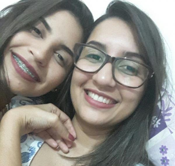 Iarla Lima (à direita) e a irmã Ilana estava juntas quando o crime aconteceu. (Foto: Ilana Lima/ Arquivo Pessoal)